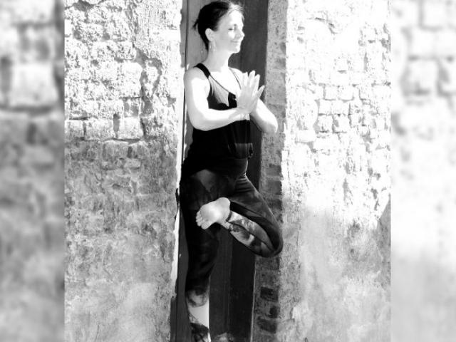 Sari Yoga