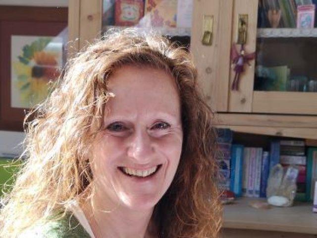 Claudia Holl